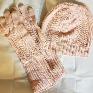 Ralph Lauren Stylish and classic knit gloves and h